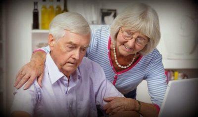 как получать пенсию умершего мужа вместо своей
