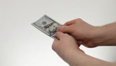 как снять деньги с карты умершего родственника