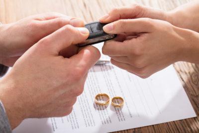 как поделить машину при разводе