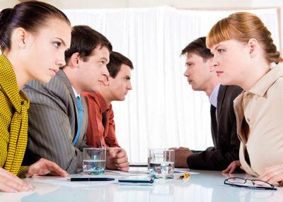 как разрешить конфликт между сотрудниками