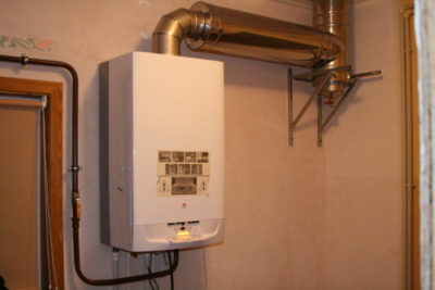 как установить газовую колонку в частном доме